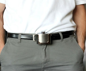 Wearing belt buckle flask
