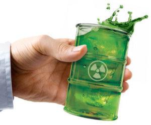 Holding green biowaste cup