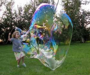 kids-playing-with-giant-bubble