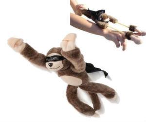 flying-screaming-monkey-slingshot